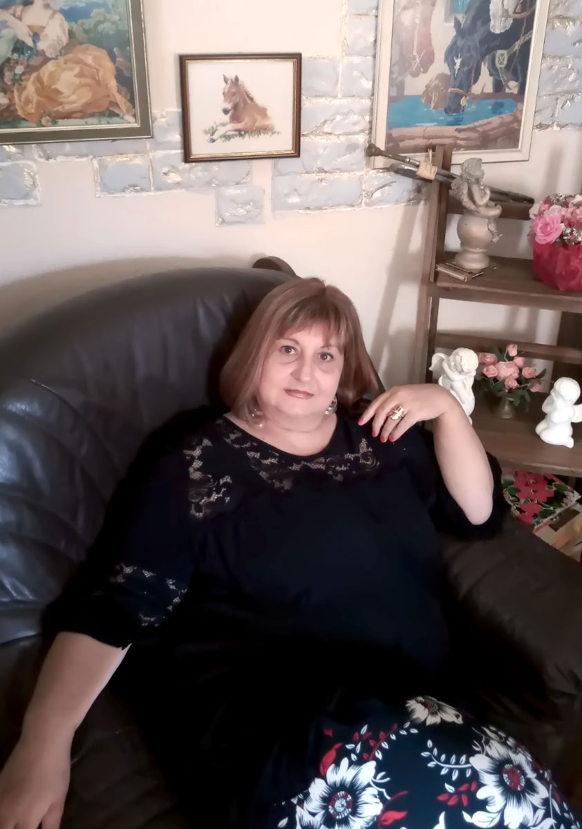 Костадинка Николова
